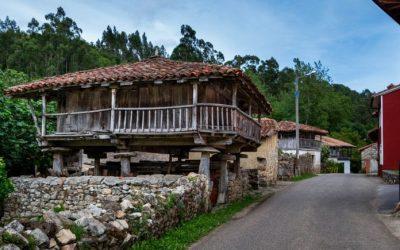 Riocaliente… el pueblo que más hórreos atesora del Concejo