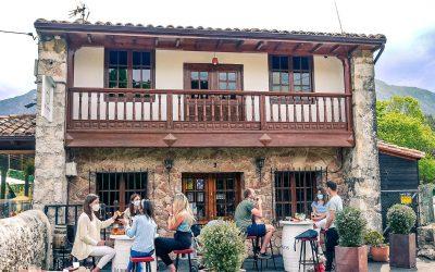 Restaurante La Cuadrona… con una de las terrazas más afamadas de la zona.